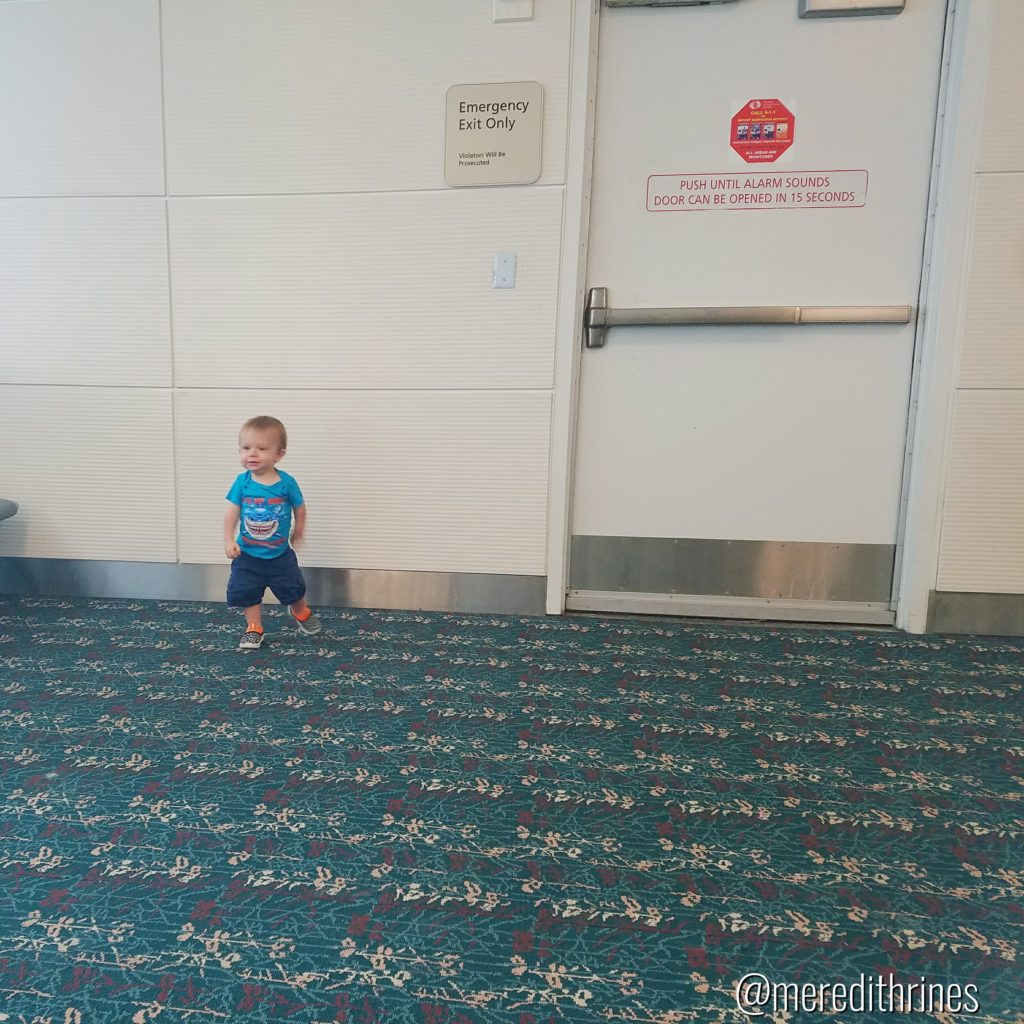 Florida vacation, travling with a toddler, flying with a toddler, how to travel with a baby