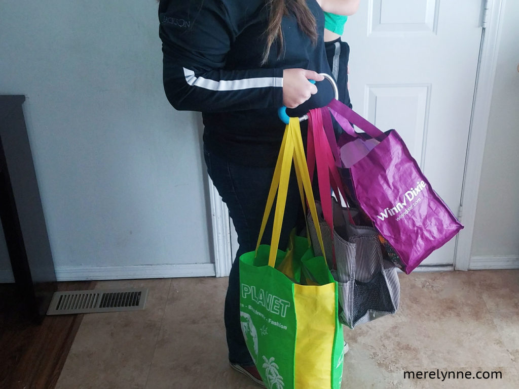 my secret weapon, the mommy hook, mommy hook, grocery tips, grocery hack, meredith rines, merelynne, grocery hack