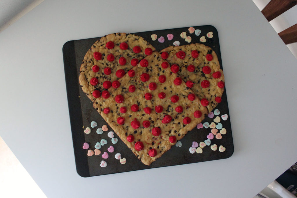 4 Ingredient Valentine's Love Cookie Cake, lazy cookie cake, cooke cake using cake mix, cake mix chocolate chip cookie, meredithrines, merelynne